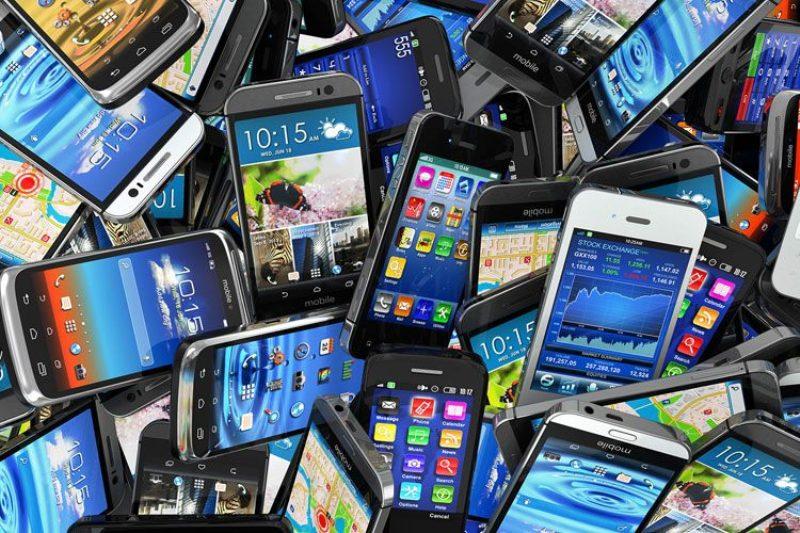 کشف محموله دو میلیاردی گوشی تلفن همراه قاچاق