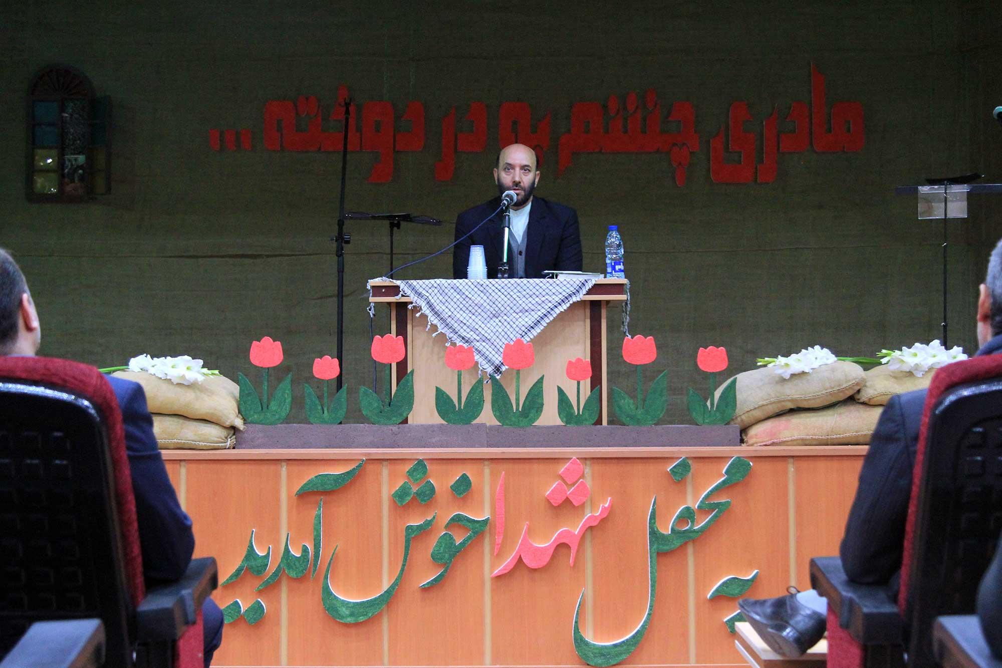 یاران امام و انقلاب اجازه ندادند یک وجب از خاک کشور اشغال شود